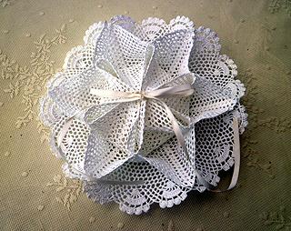 レ-ス編みお花のトレイ