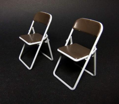 部室の机と椅子2