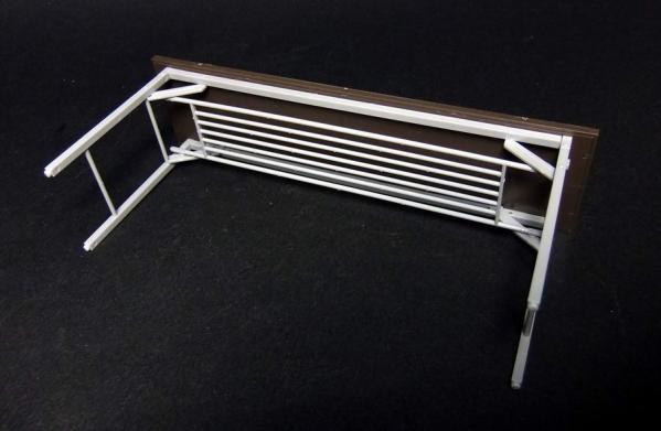 部室の机と椅子3