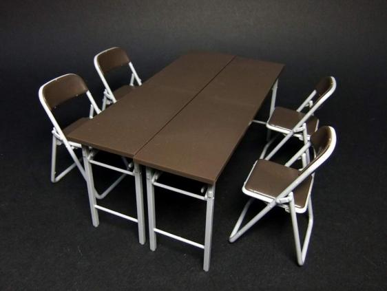 部室の机と椅子4