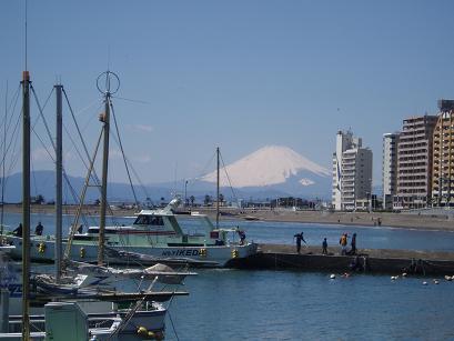 港と富士山
