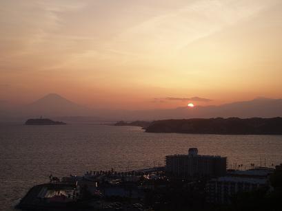 夕日、富士山、江ノ島