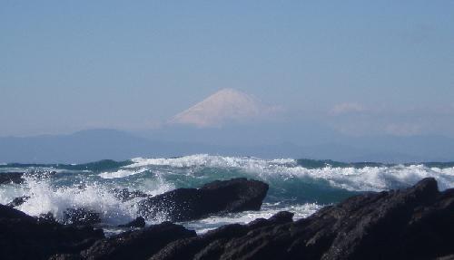荒海と富士山
