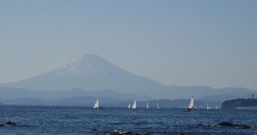 ヨットと富士山