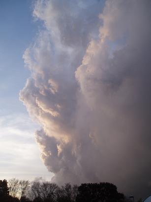春の積乱雲