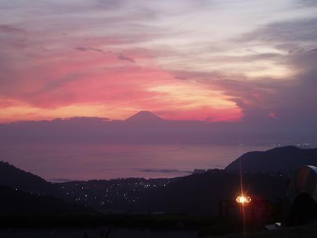 富士山、夕焼け、街の明かり