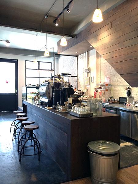 INKLION CAFE03