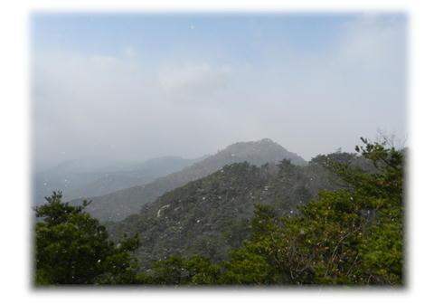 12.25 おむすび岩より 権現山