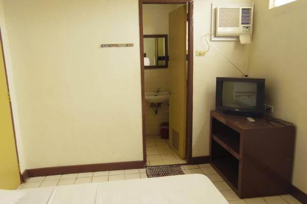 バコロド Bakolod 安宿 ONG BUN PENSION HOUSE フィリピン