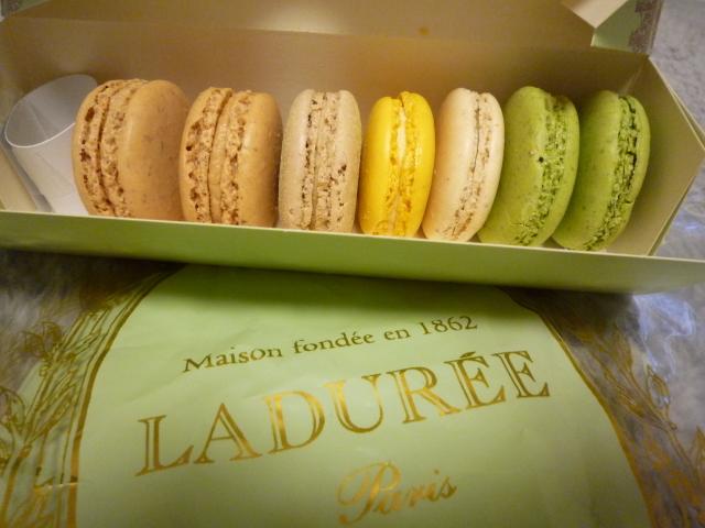 LADUREE_Paris (2)
