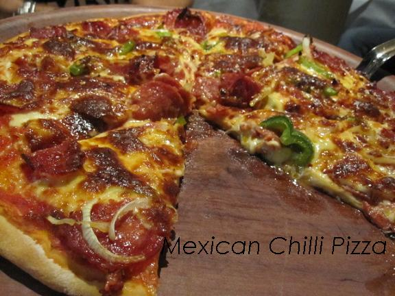 Mexican chilli pizza