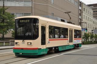 2011年8月20日 富山地方鉄道市内電車 電気ビル前~桜橋 8000形8002号車
