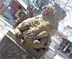 王子神社の子連れ狛犬ちゃん
