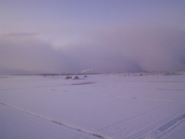 霧のかかる朝の風景