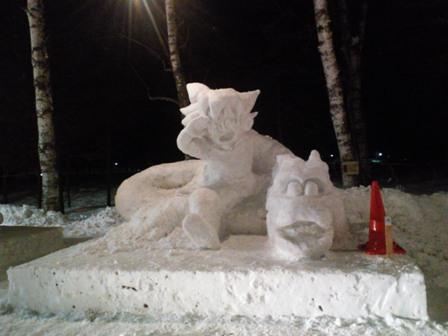 雪像作成中1