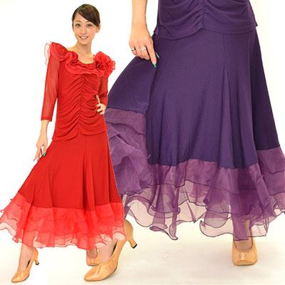 裾3段フリル付きスカート