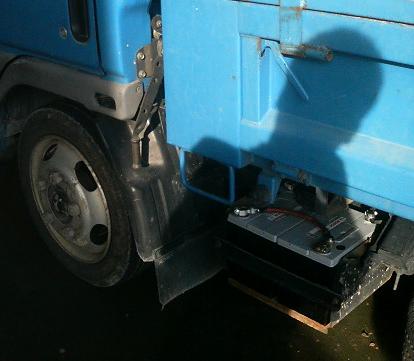 トラックバッテリー