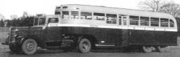トレーラーバス