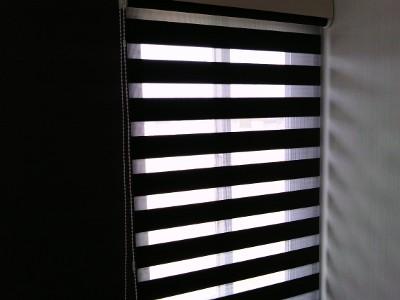 2階寝室 ロールスクリーン デュオレRS-222調光