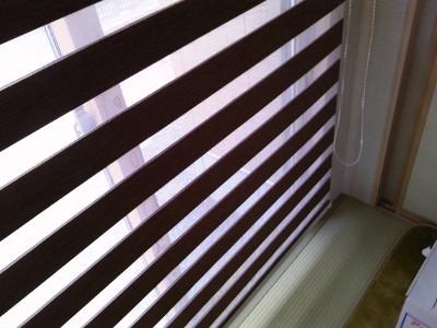 1階和室 ロールスクリーン デュオレRS-223調光