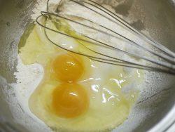 卵、小麦粉、砂糖