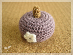 紫色の物体
