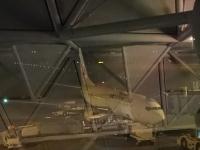 19:19 19:30発になったこの飛行機に乗ります。