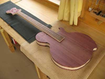 カスタムベースギター