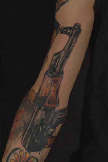 TATTOO タトゥー 刺青 AK-47