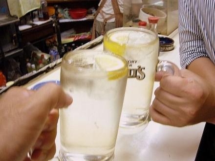 立飲スタンド三楽001