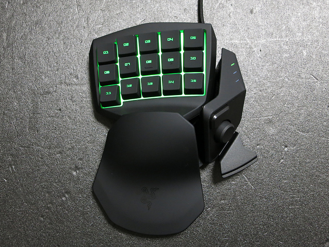 Razer_Tartarus_Review_05.jpg