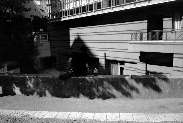 WhiteLady-BlackGent01b