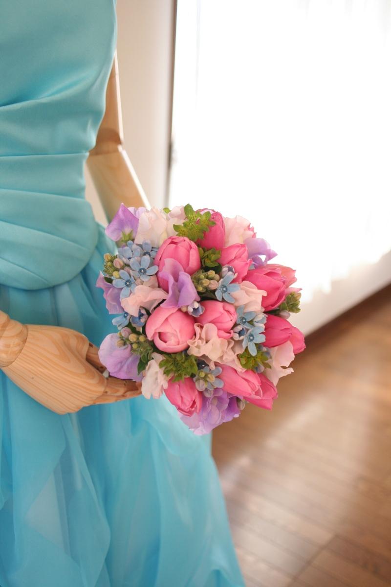 8d81d4efa7605 画像    実例画像集 水色・ネイビー・ブルー系のカラードレスに ...