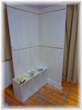 リビング 板壁 白ペンキ
