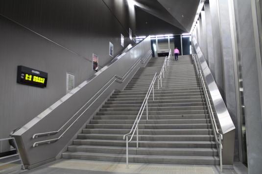 イルミネーション 竜王駅 階段