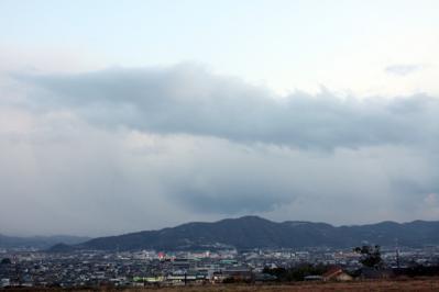 雨上がり夕方の街並み