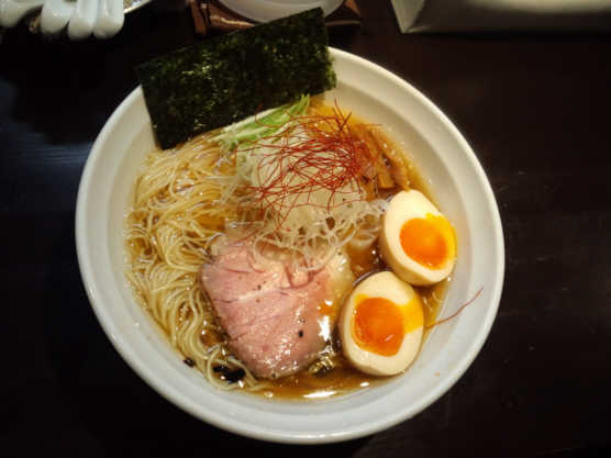 麺や真登薫醤油卵111205