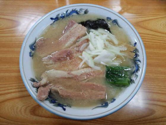 博多屋豚トロラーメン大盛り111227a