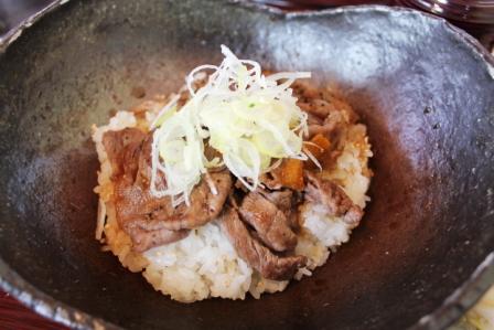 飛騨牛焼肉丼