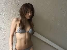 里田まい(1)