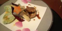 黒豚 蟹 肉コラーゲンの黒酢荷 春野菜添え