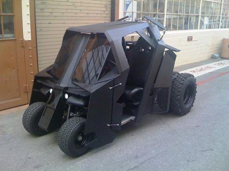 Batman-Tumbler-Golf-Cart-1-700x525.jpg