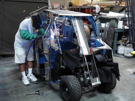 Batman-Tumbler-Golf-Cart-4-700x525.jpg