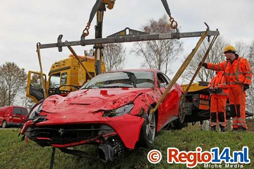 Ferrari-F12Berlinetta-crash-06.jpg