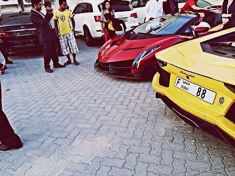 Lamborghini-Veneno-Dubai-Zandbak-1.jpg