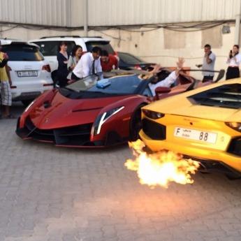 Lamborghini-Veneno-Dubai-Zandbak-4.jpg