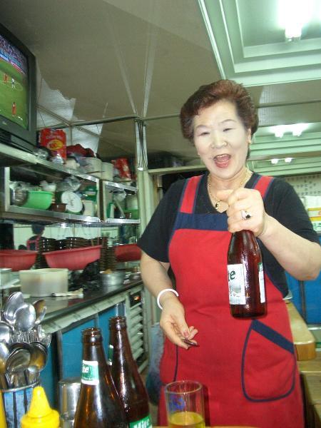 ソウル 食堂のスプーンおばさん.jpg