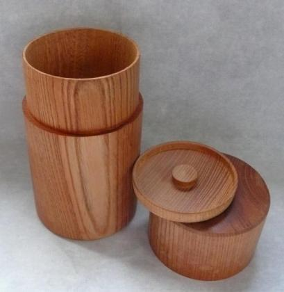 木彫の茶筒