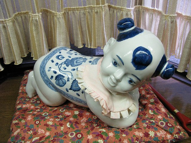中国製…赤ちゃんの飾り物