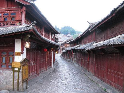 早朝の麗江古城